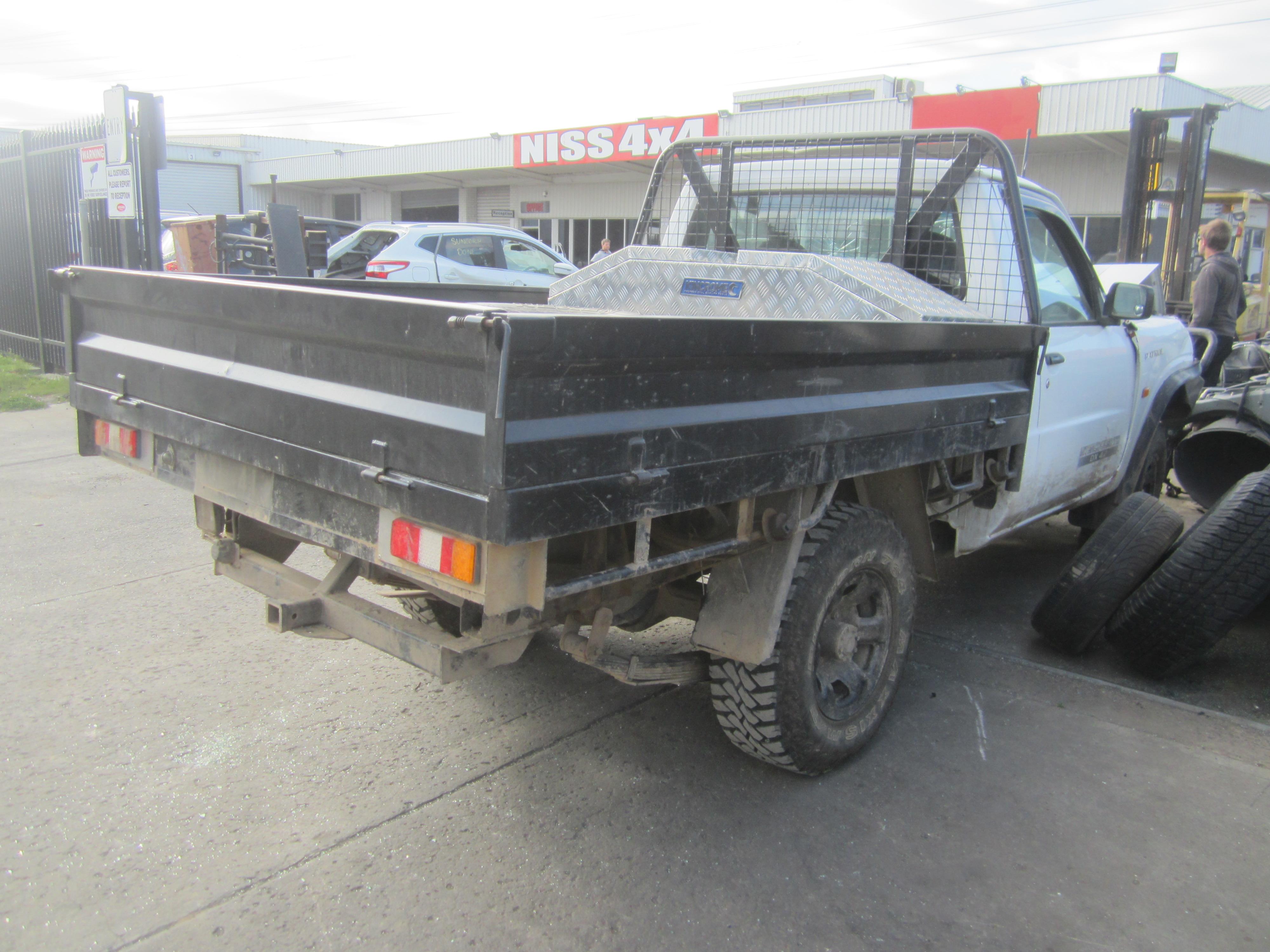 nissan patrol y61 gu dx ute td42 turbo diesel intercooled wrecking. Black Bedroom Furniture Sets. Home Design Ideas