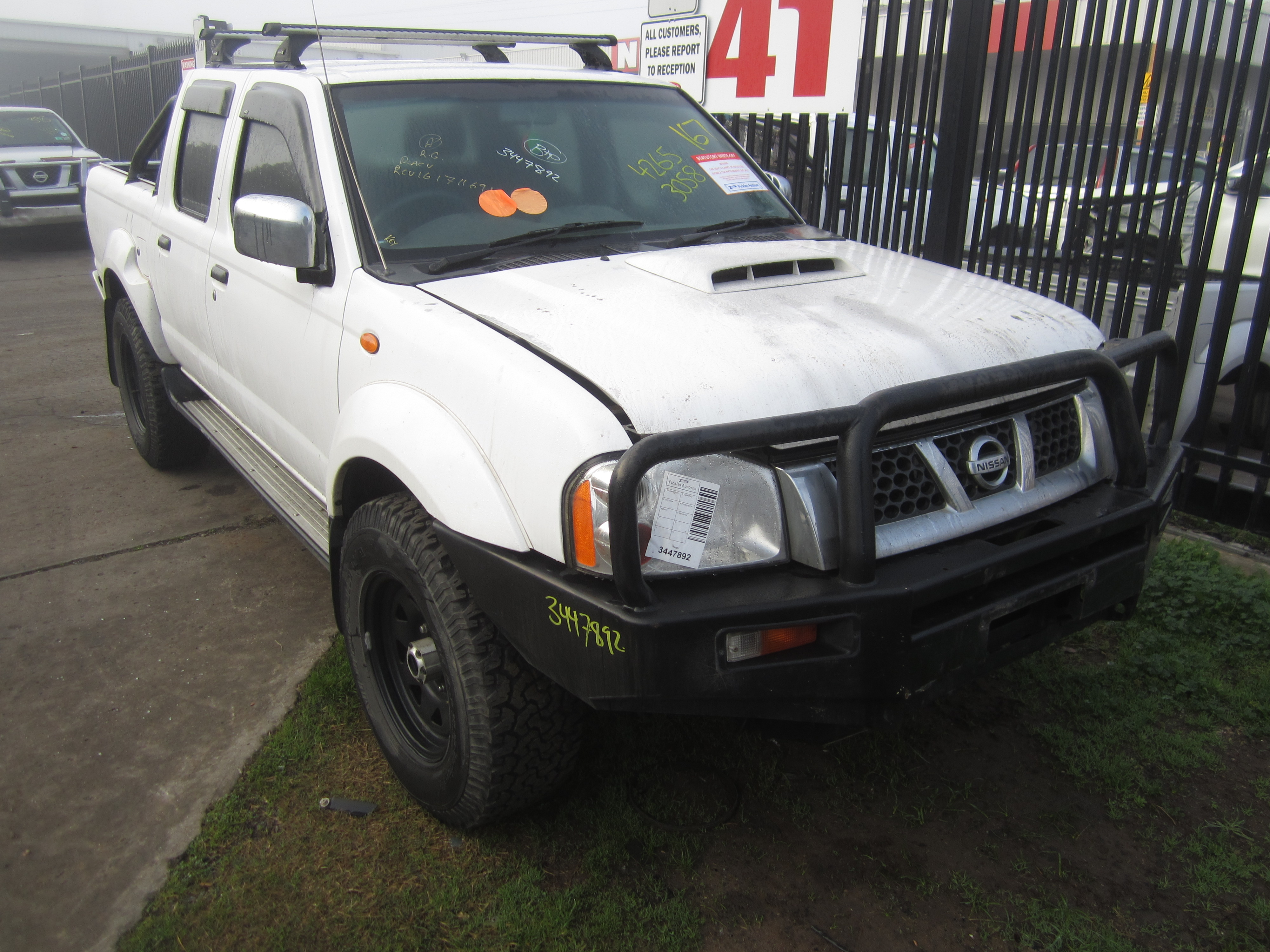 nissan navara d22 yd25 turbo diesel manual 2010 wrecking. Black Bedroom Furniture Sets. Home Design Ideas