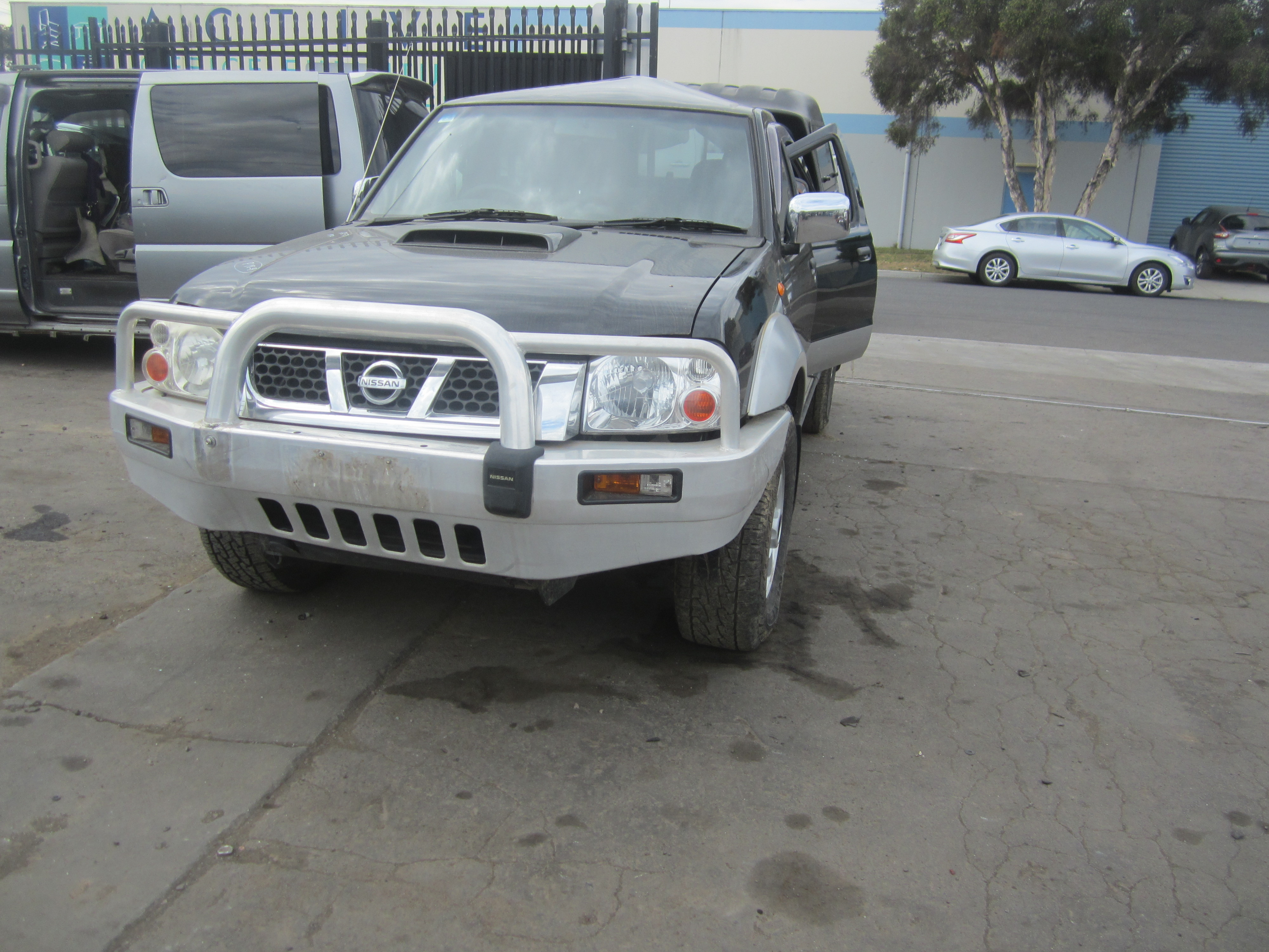nissan navara d22 yd25 turbo diesel canopy black 2009 wrecking. Black Bedroom Furniture Sets. Home Design Ideas